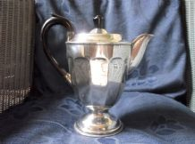 VINTAGE VINERS SILVER PLATED ORNATE DESIGN FOOTED COFFEE POT BAKELITE HANDLE
